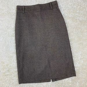 Banana Republic Size 4 Stretch Wool Blend Skirt